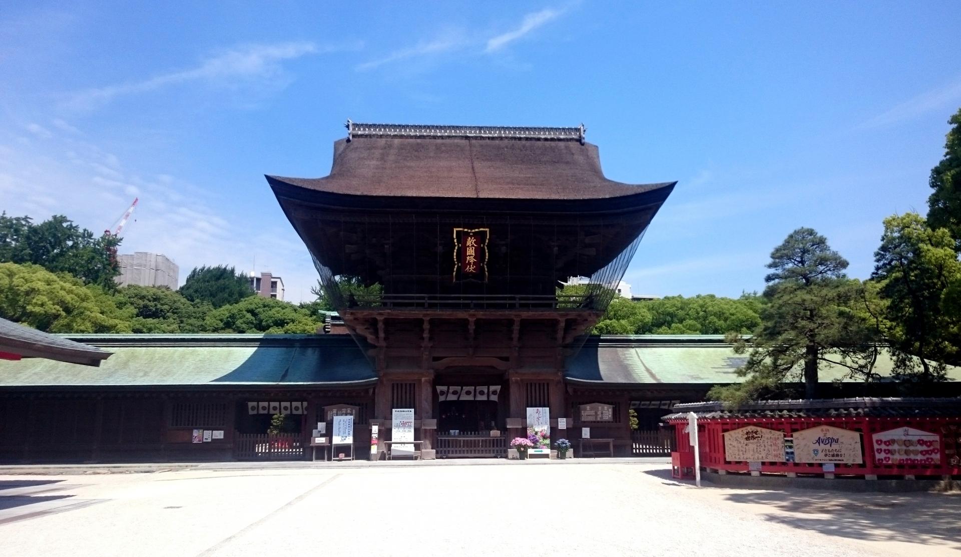 博多で神社めぐり!有名パワースポットやライトアップ場所をご紹介