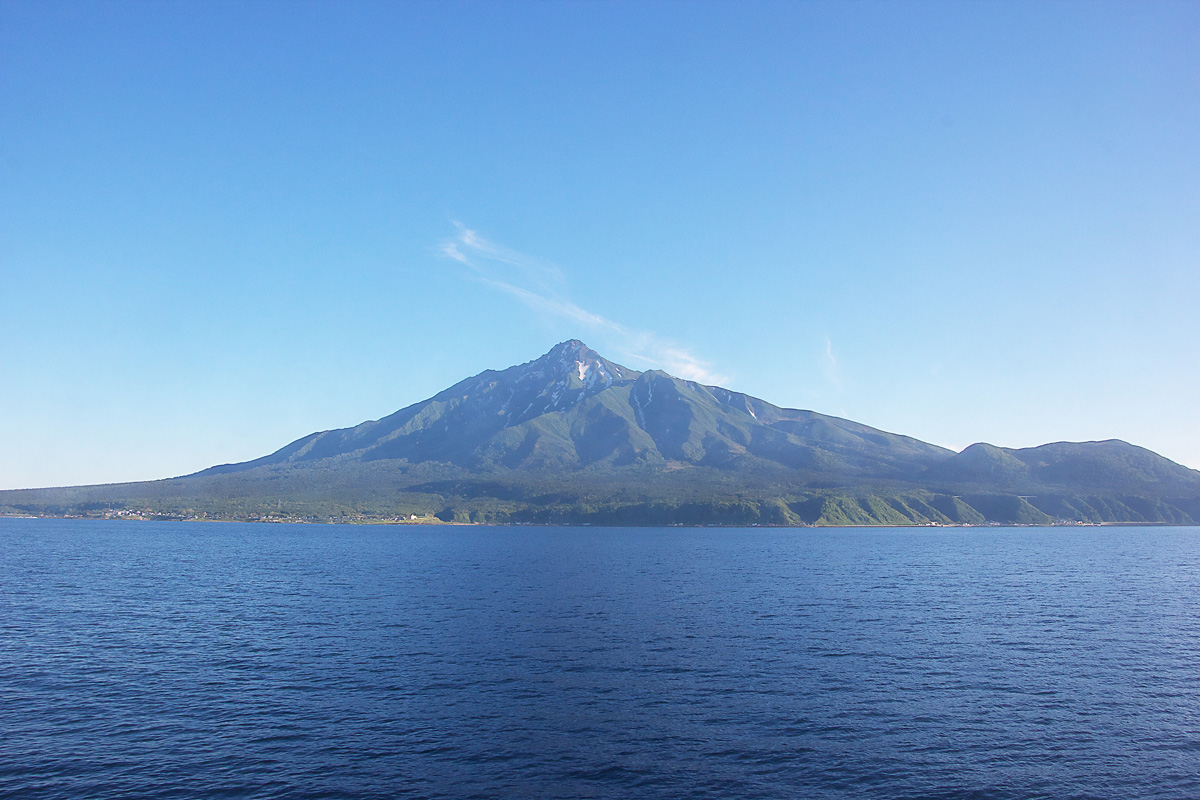 利尻山の登山に挑む!山頂へのコースを紹介!日本百名山に選ばれる最北の富士!