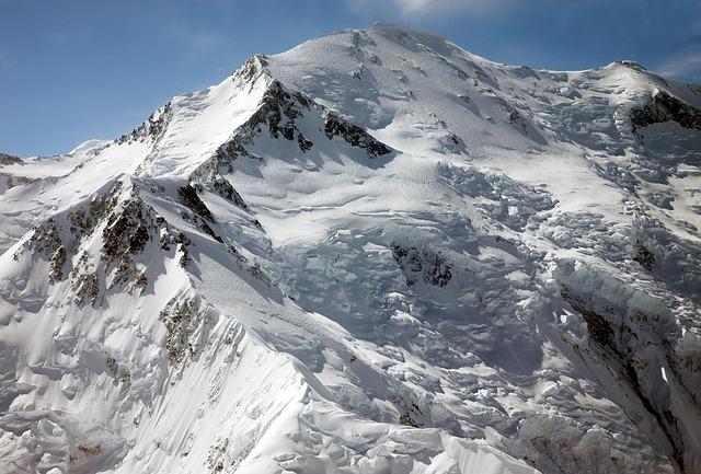 デナリに呼称変更したマッキンリー山!世界的名峰の登山・観光情報を調査!