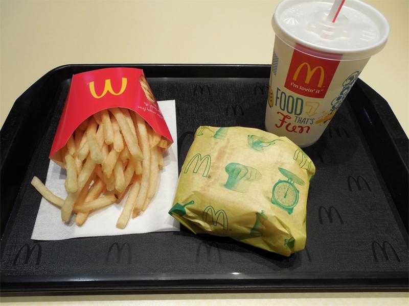 アメリカのマクドナルドのメニューやサイズは?日本のマックと比較!