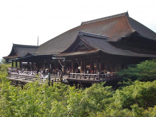 清水寺で食べ歩き!おすすめのスイーツや周辺の人気店をご紹介!