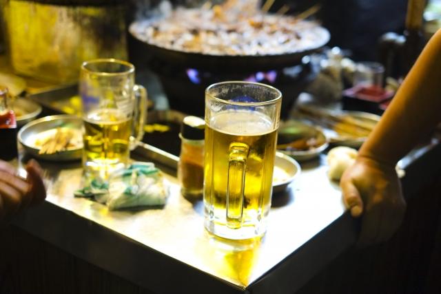 池袋で人気の立ち飲み屋特集!女性が入りやすい店や昼間から飲める店も!