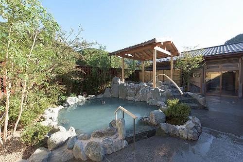 高尾山の温泉!極楽湯が最高すぎる!混雑や料金を調査しました!