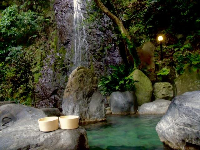湯河原の日帰り温泉ランキング!おすすめの源泉かけ流しの湯処などもご紹介!