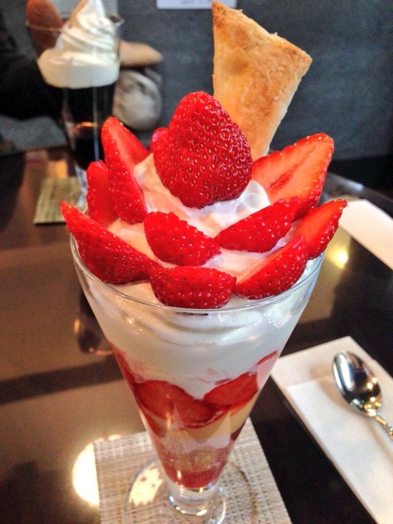 横浜のパフェをランキングで紹介!大きい・美味しい・安いなど人気店を厳選!