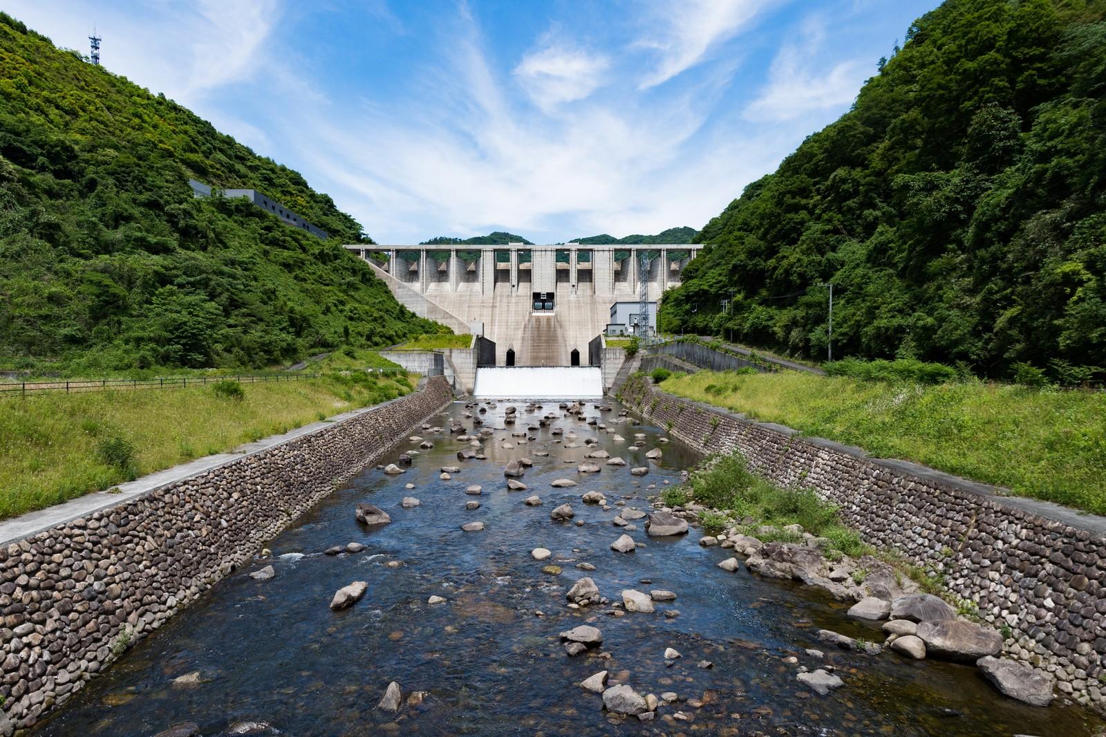 滝沢ダムを見学してみよう!ループ橋など綺麗な景色も楽しめる!