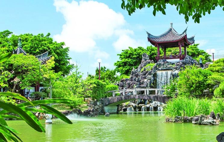 「福州園」は沖縄にある中国式庭園!色鮮やかな景色がおすすめ!