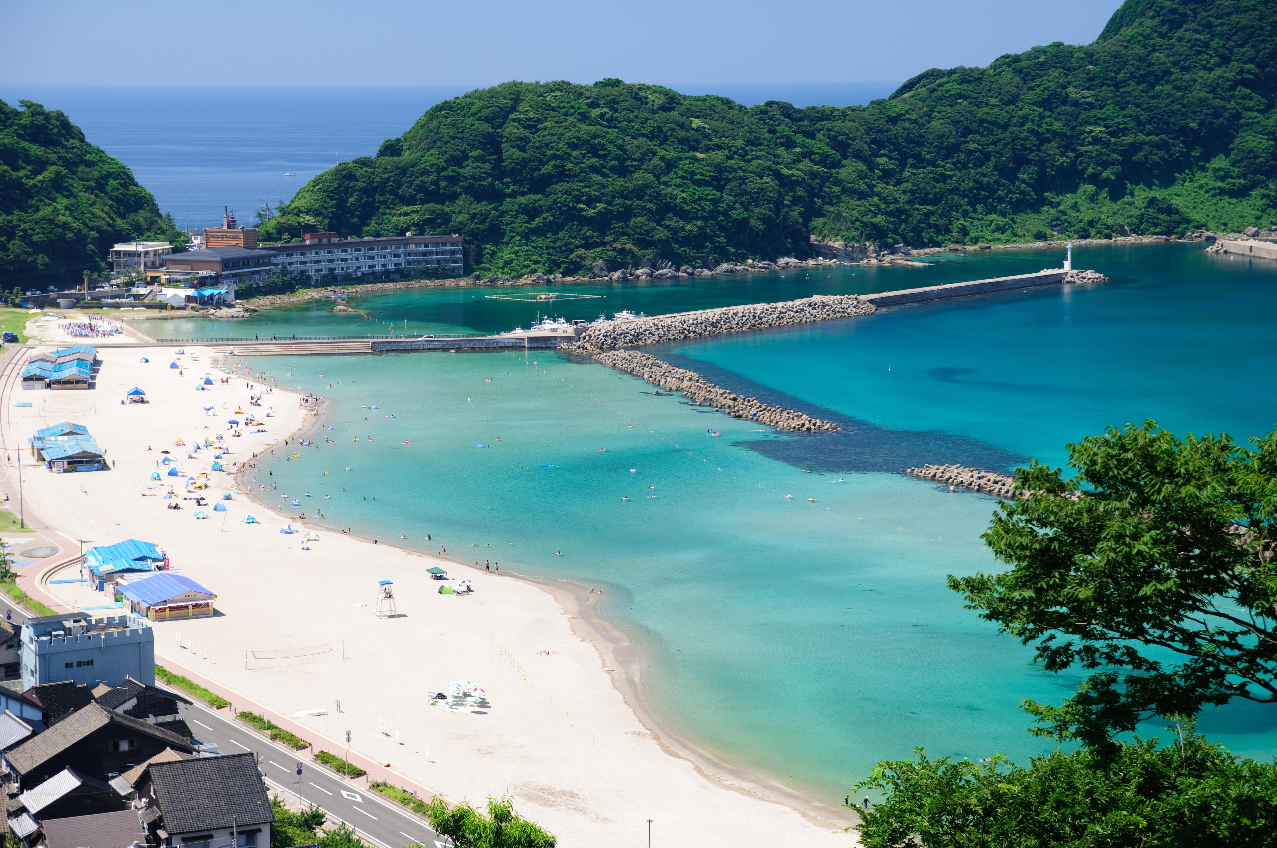 青島のビーチパークは宮崎の夏限定の観光スポット!人気カフェあり!