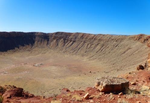 アリゾナの大隕石孔へ!バリンジャークレーターは神秘的で人気のスポット!