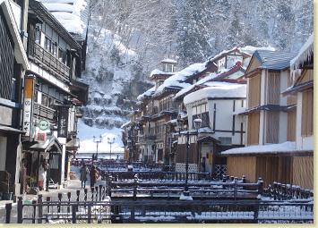 銀山温泉の観光スポット!おすすめグルメ・散策コース・周辺情報などご紹介!
