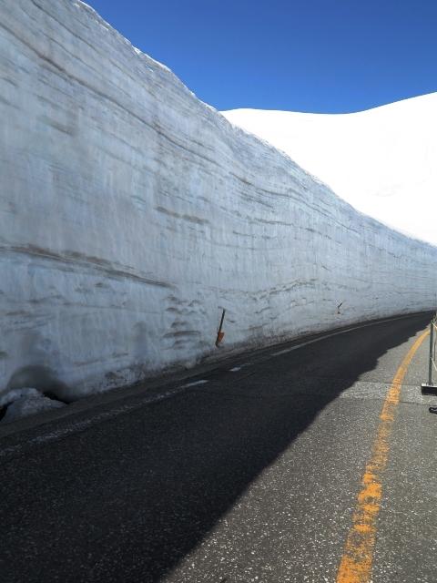 志賀草津道路は雪の回廊が人気!ツーリングやドライブにもおすすめ!