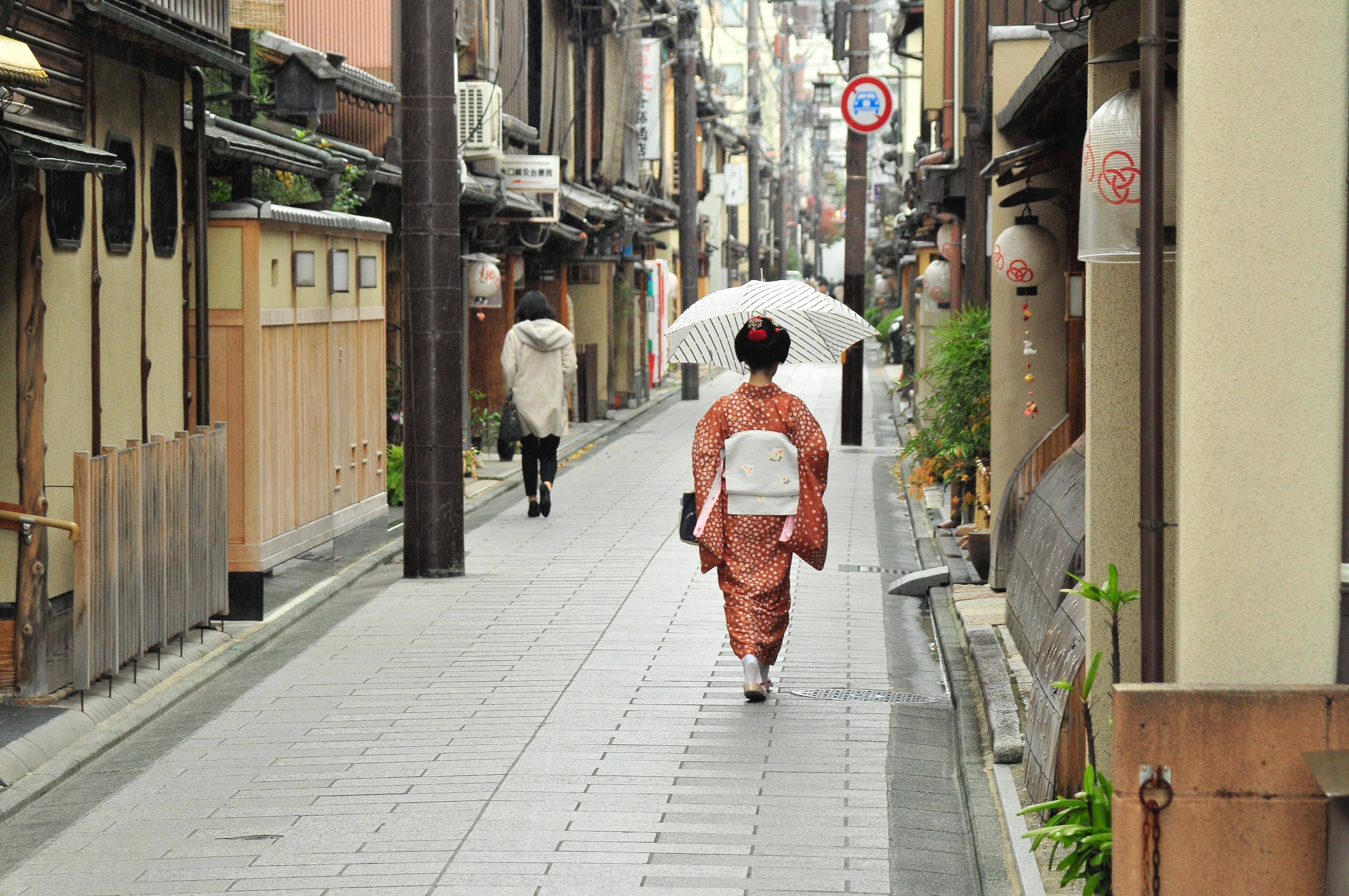 京都弁のかわいい表現一覧!人気の京言葉は大阪弁とどう違う?