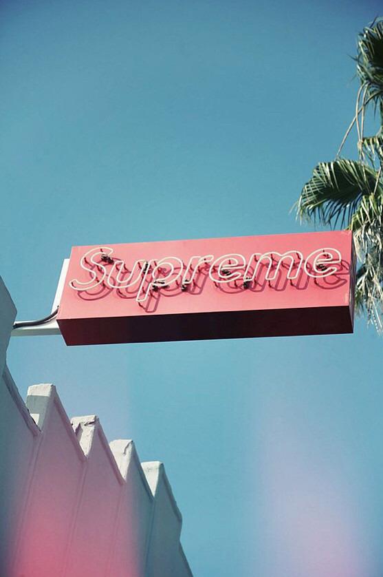 Supreme原宿店の並び方!場所や営業時間など人気ショップを詳しく解説!