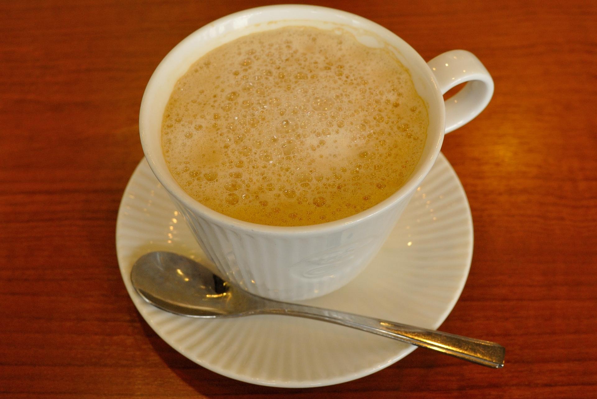 喫茶ツヅキは名古屋の名店!カフェオレ天井落としはオーダー必須!