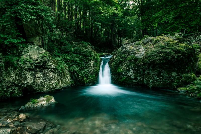 おしらじの滝の魅力とは?アクセス方法や絶景スポットもご紹介!