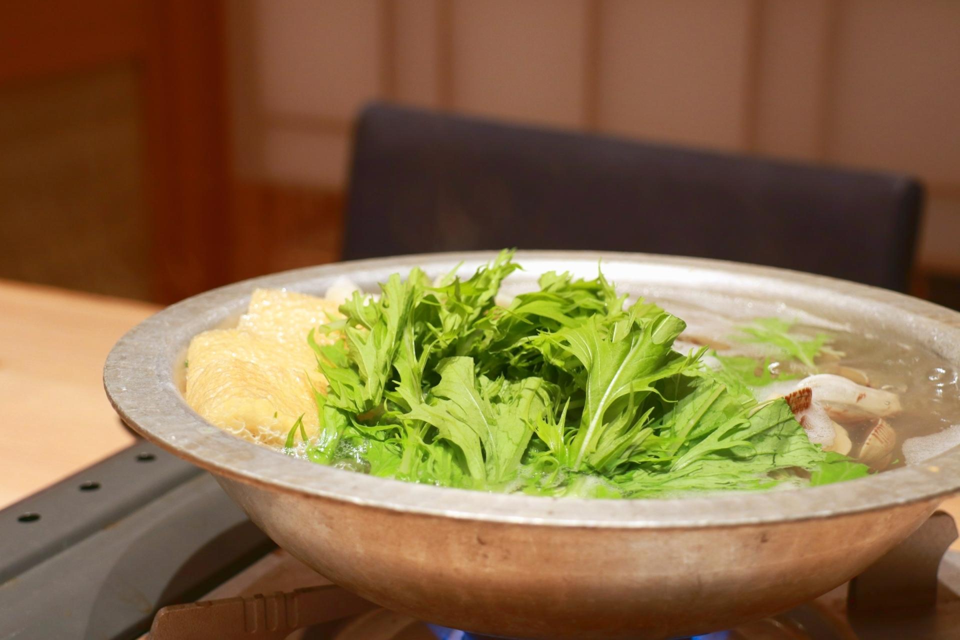 「水炊き 長野」は福岡の名店!予約をして食べたい絶品メニューとは?