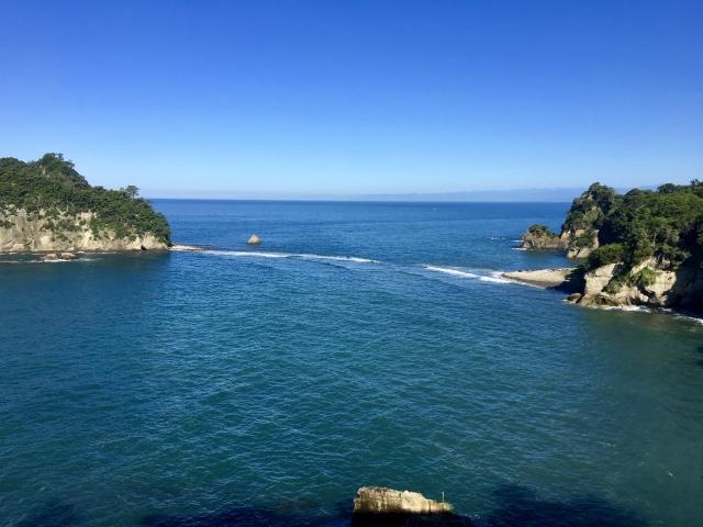 三四郎島の珍しいトンボロ現象をご紹介!見られる時間やアクセスは?