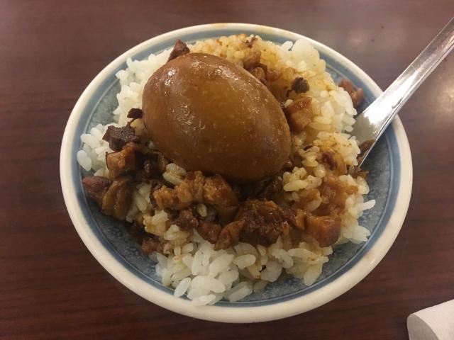 微風台南で絶品の魯肉飯を食べよう!京都で味わう本格的な台湾料理が人気