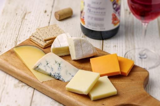 カルディで人気のチーズを厳選まとめ!おつまみ向けの商品やアソートもあり!