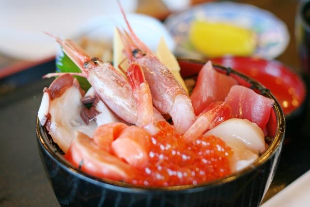 鳥取港海産物市場かろいちのおすすめ情報は?人気の海鮮丼・営業時間などをご紹介