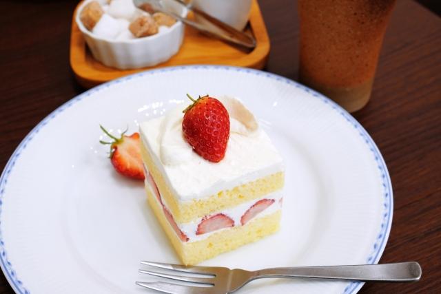サロン・ド・テ・アルションは難波のおしゃれカフェ!ケーキやランチが人気
