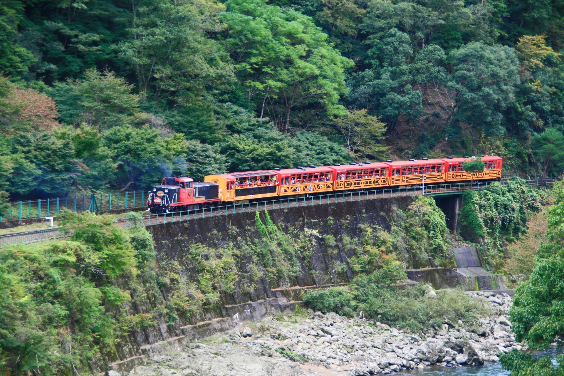 保津峡で景色やハイキングが楽しめる!アクセス方法やトロッコ列車も紹介!