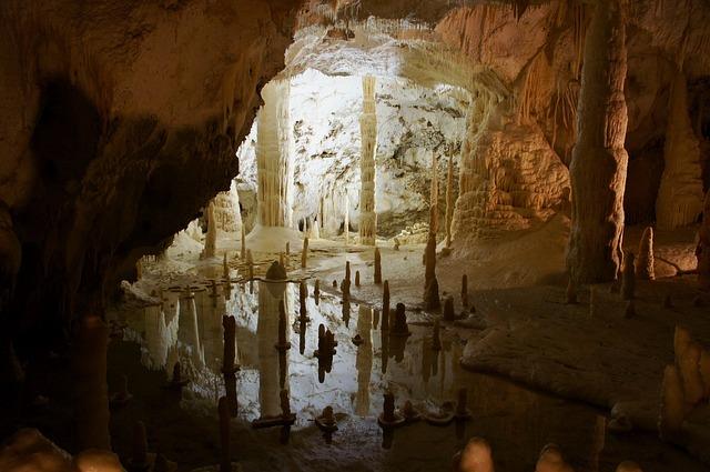 河内の風穴は滋賀にある神秘的な鍾乳洞!アクセスや周辺の観光スポットも紹介