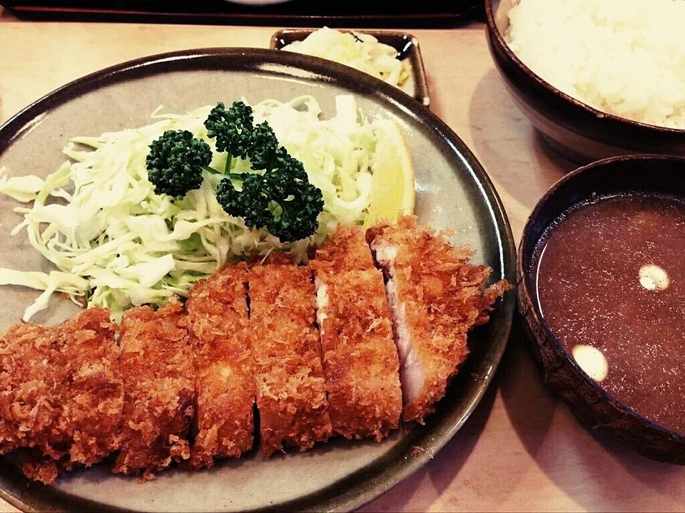 うし寅は和歌山で有名な牛カツ専門店!行列覚悟の人気店の魅力を紹介