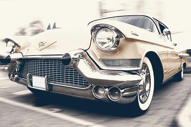 BMW博物館の工場見学やグッズが大人気!行き方や駐車場・お土産は?
