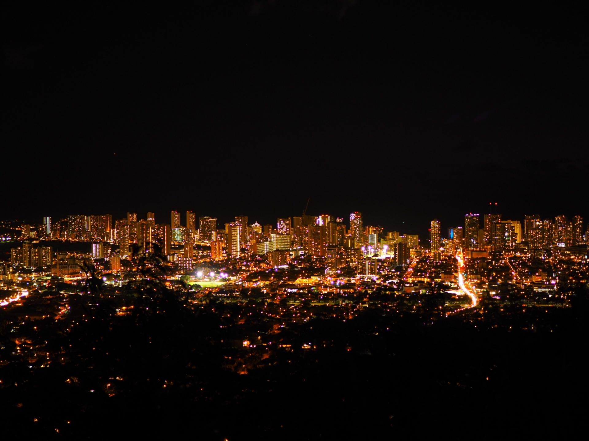 タンタラスの丘への行き方は?ハワイで人気の夜景スポットを紹介!