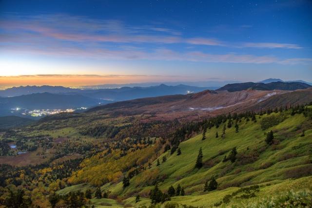 渋峠の国道最高地点からの眺めは絶景!早朝には雲海が発生することも!