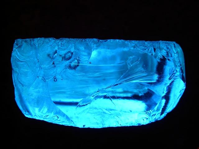 恩納ガラス工房は琉球ガラス作り体験や迷路を楽しめる!営業時間や口コミは?