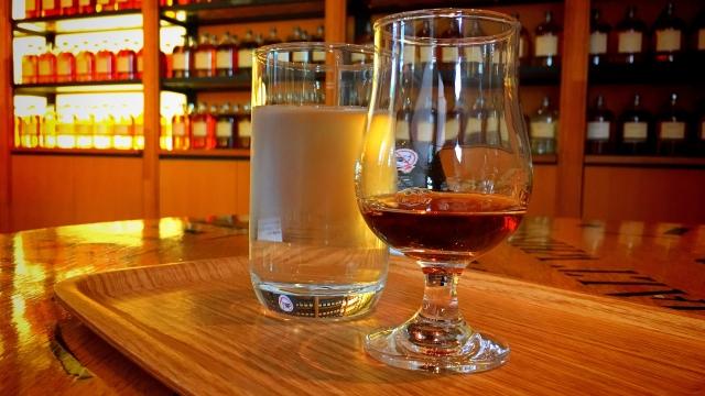 知多蒸留所はウイスキー好き称賛の観光スポット!工場見学の見どころや場所は?