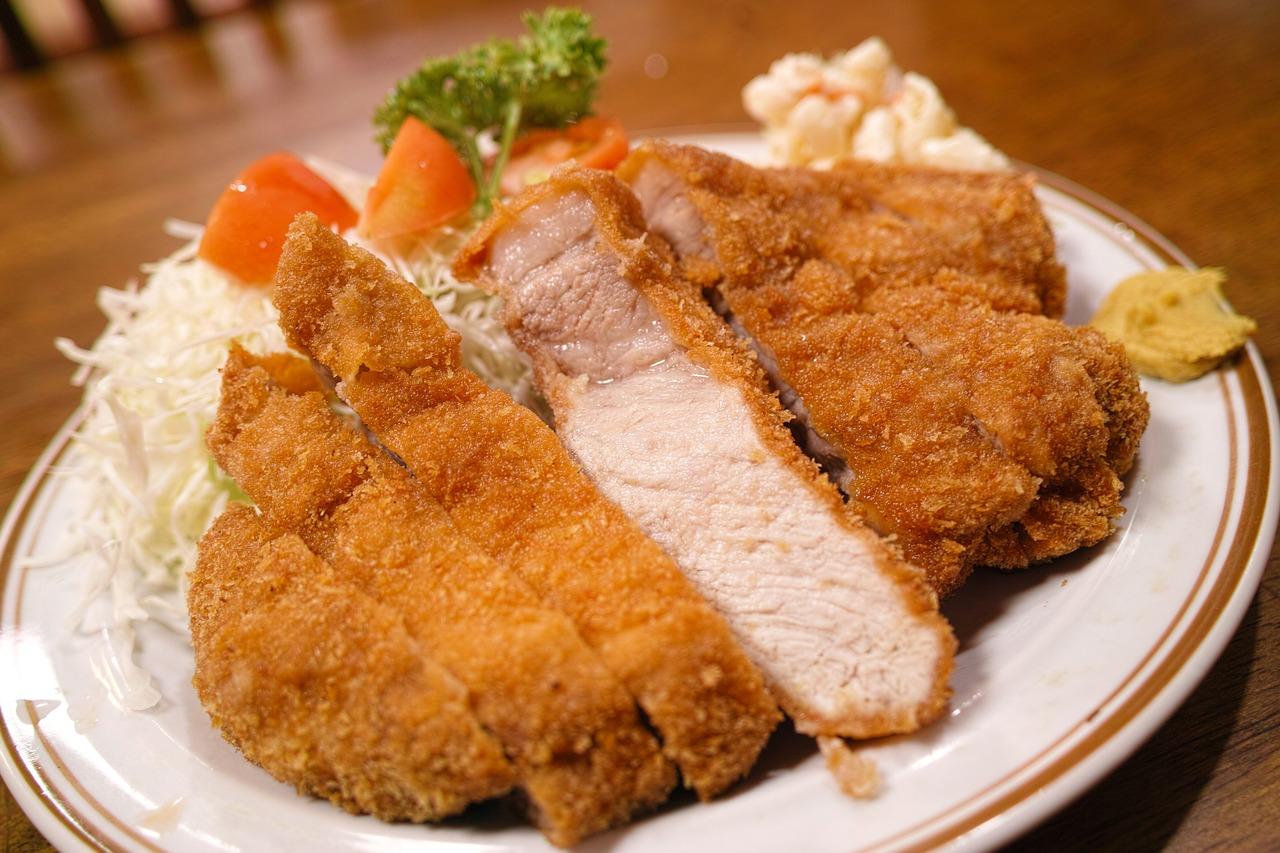 ハイライト食堂のボリューム満点メニューが大人気!京都の老舗定食屋をご紹介!