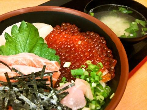 江戸富士は海鮮丼が大人気のお寿司屋さん!予約方法やランチメニューは?