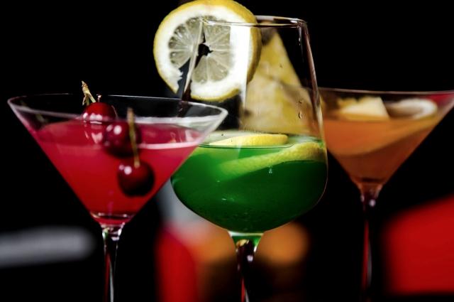 クラブ33はディズニーでお酒が飲める会員制のお店!場所やメニュー・服装は?