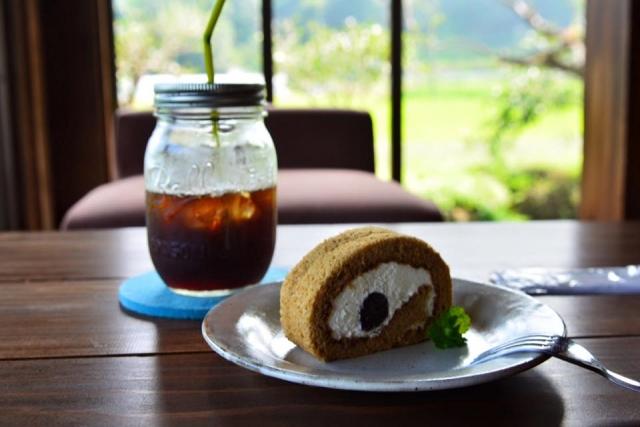 ヨリドコロは江ノ電を眺めながらご飯を楽しめる!鎌倉の古民家カフェをご紹介!