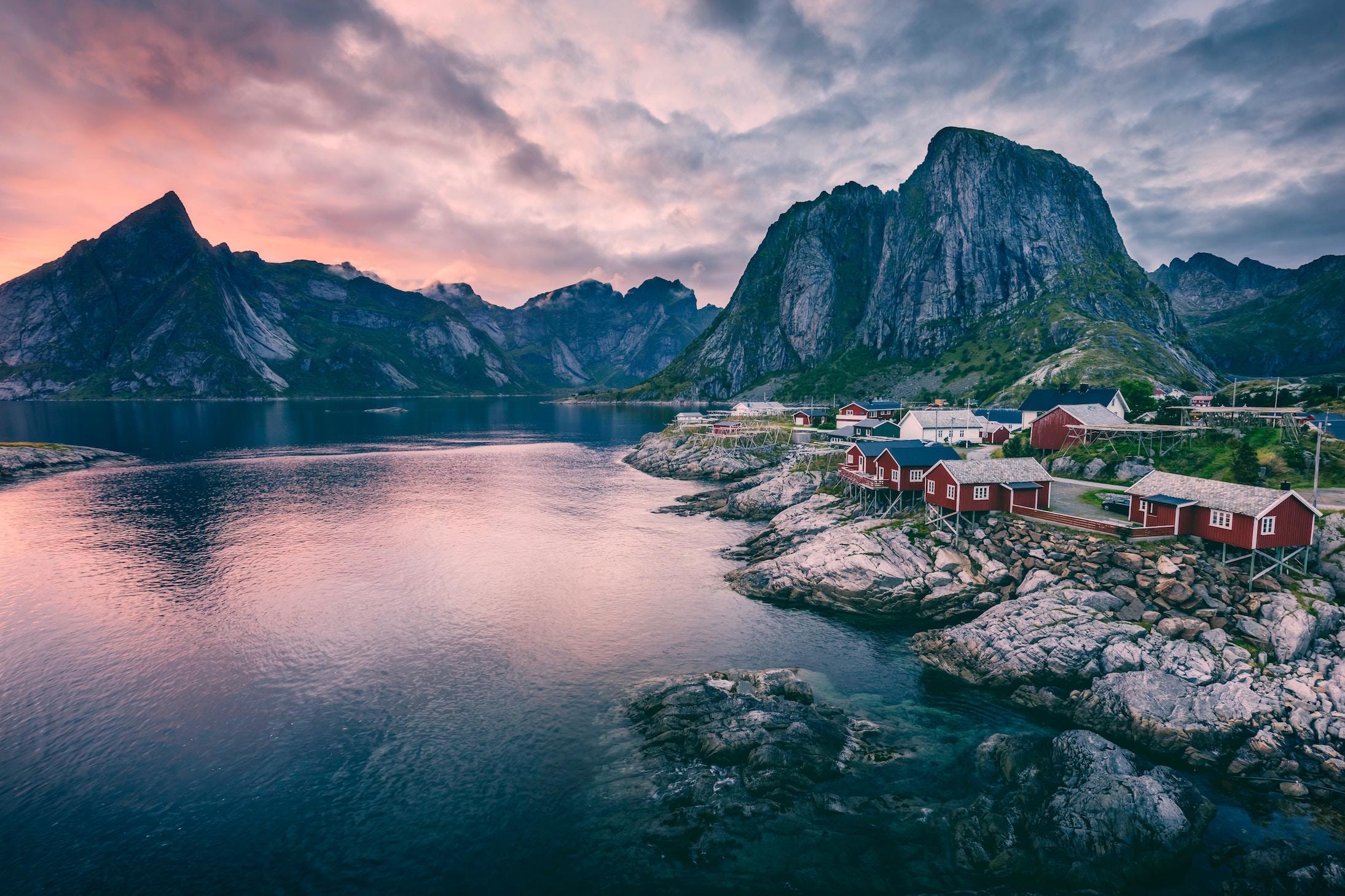 ノルウェーは英語が通じる語学力に優れた国!公用語を覚えて観光を楽しもう!