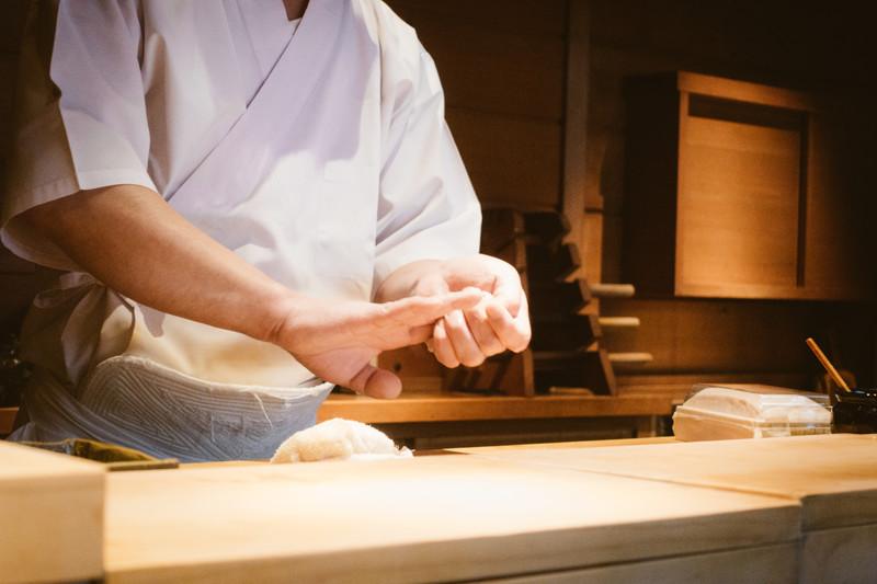すきやばし次郎は日本が誇る寿司の名店!予約方法・値段・メニューは?