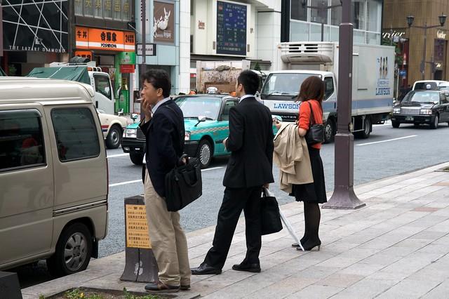 銀座の喫煙所をチェック!カフェやデパート・公園など癒しスポット紹介!