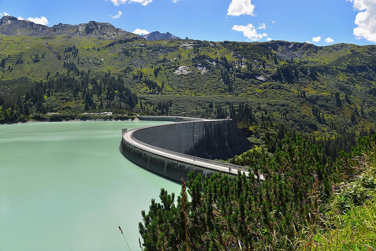 奈良俣ダムは群馬で人気の観光スポット!綺麗な紅葉も魅力的なおすすめの場所