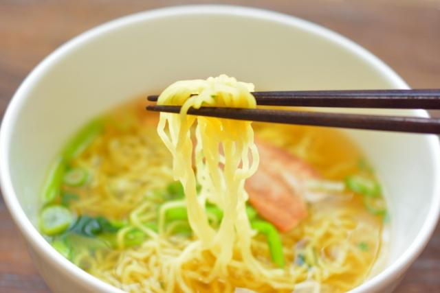 函館麺厨房あじさいは塩ラーメンの老舗!透明スープの美味しさを味わおう!