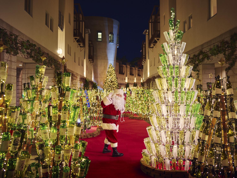 1万2千本のワインツリー?!『星野リゾート リゾナーレ八ヶ岳』で大人のクリスマスを!