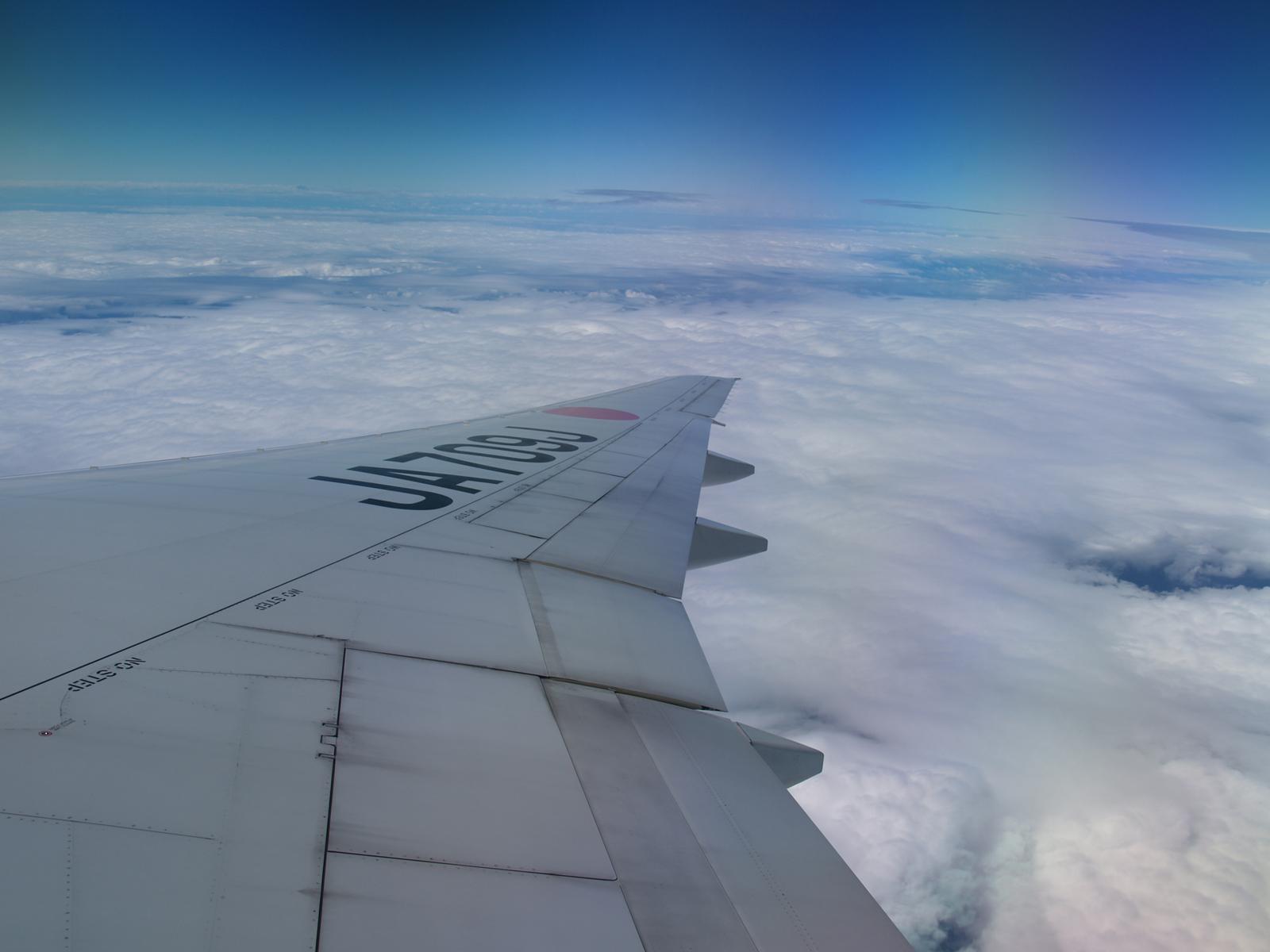 台湾と日本の時差は約1時間!飛行時間や機内での過ごし方もチェック!
