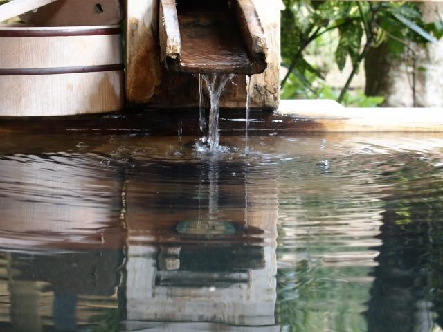 【長野】仙仁温泉岩の湯は予約が取れない秘湯の宿!人気の洞窟風呂をリサーチ!