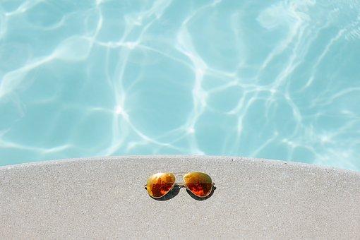 越中島プールの営業時間やアクセス・駐車場は?夜も泳げる人気スポット紹介!