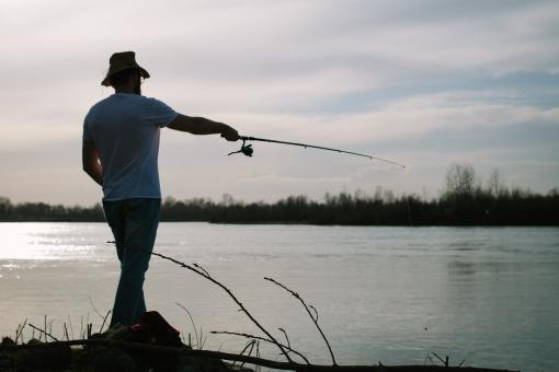 本栖湖で釣りを楽しもう!釣り券購入の仕方や釣れる魚・ポイントは?