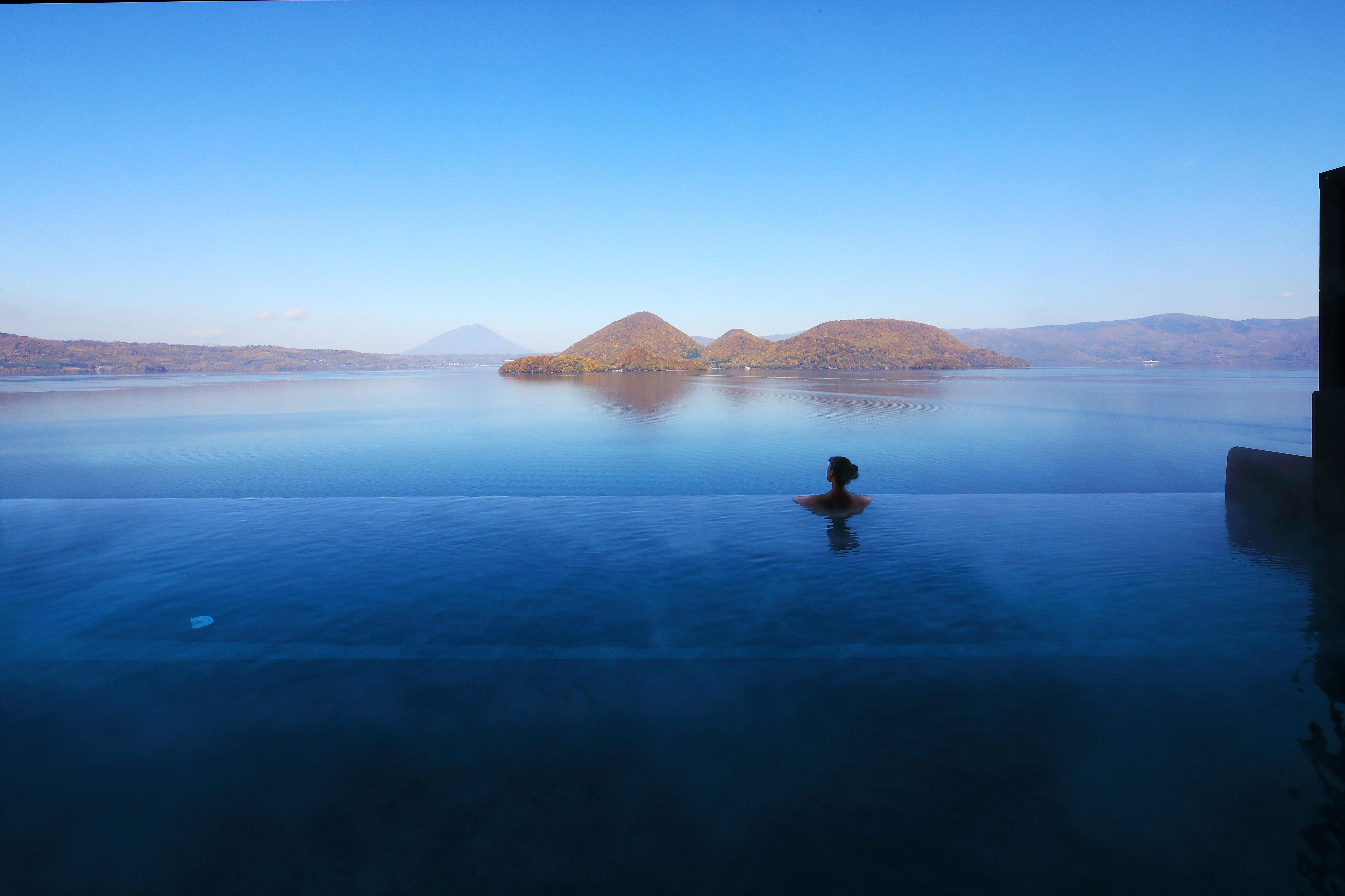 空に浮かぶ露天風呂?!ザ・レイクスイート 湖の栖で洞爺湖ビューを満喫!