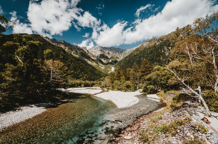 タジキスタン「パミール高原」は人気の秘境スポット!絶景に魅了される人続出!
