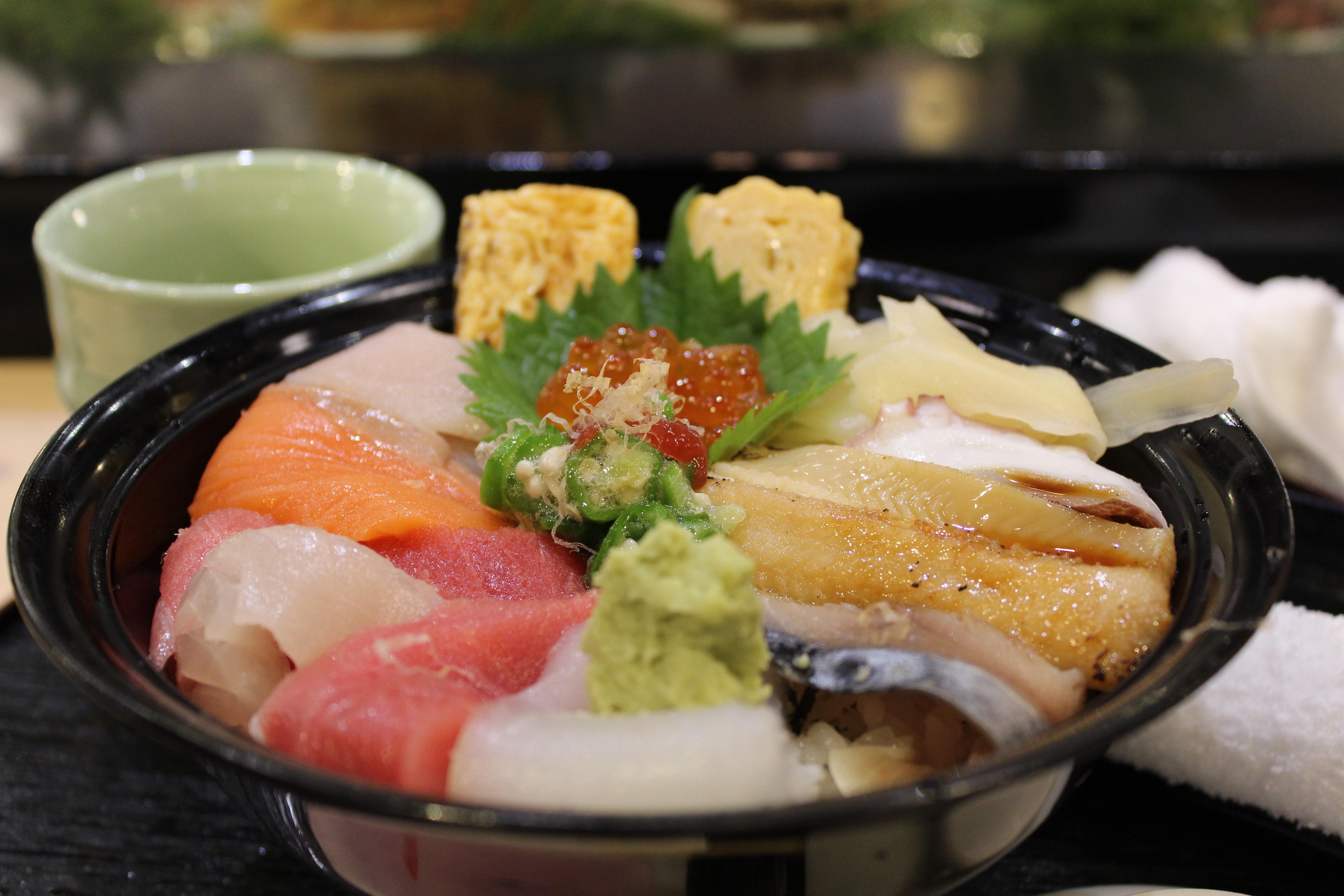 鮨國はウニ丼が美味しい築地の人気店!贅沢メニューをお腹いっぱい味わおう!